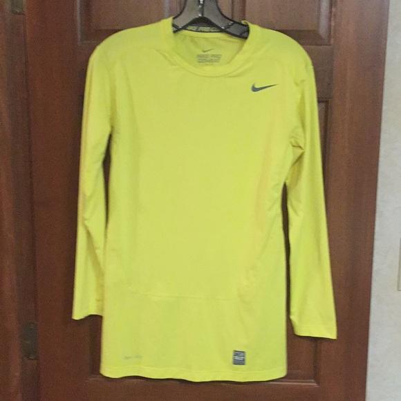09439fae Nike Pro Combat Compression Shirt. M_5c82f666aa877067e66a8e55
